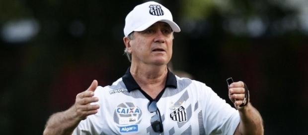 Levir Culpi está fora do Santos