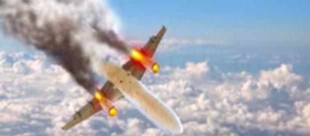 Worst plane crash {image via World 5 list/YouTube screencap}
