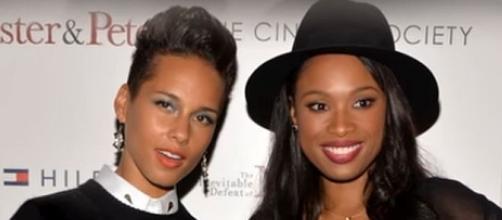 Alicia Keys and Jennifer Hudson, 'The Voice' coaches [Image: Life for Life/YouTube screenshot]