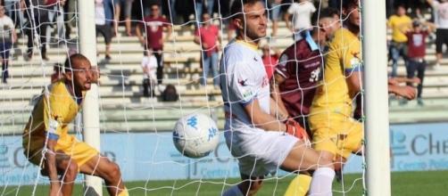 Alla Salernitana non è bastato il gol di Schiavi per superare il Frosinone