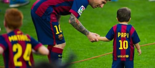 Mateo canta en catalan y Piqué se pronunció contra el adoctrinamiento - mundodeportivo.com