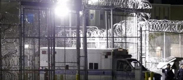 Ambulance outside execution chamber for Torrey Twane McNabb. (Image from Wochit News/YouTube)