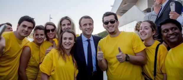 """Margaux Pech (Les Jeunes avec Macron) : """"On essaie de live-twitter ... - grazia.fr"""