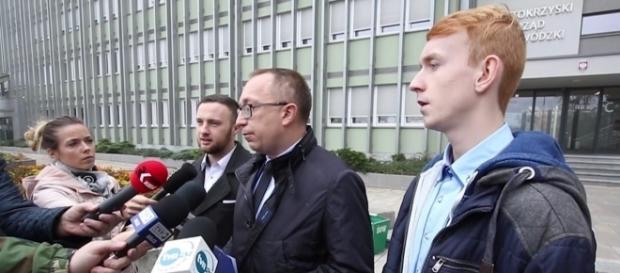 """Organizatorzy programu """"WoS z Posłem"""" i poseł Artur Gierada na konferencji prasowej (fot. Echo Dnia)"""