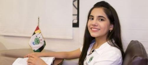 Dafne Almazán tiene 13 años y es la psicóloga más joven del mundo - notigape.com