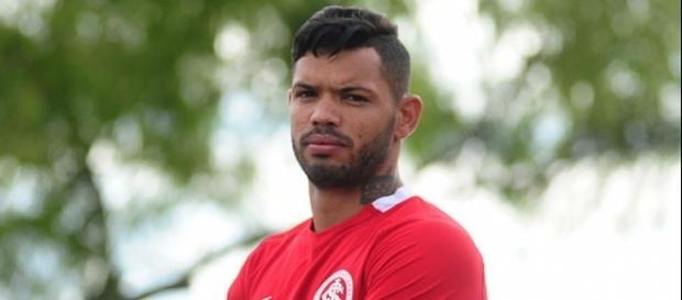 Internacional contou com gol do atacante Carlos