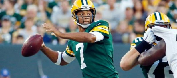 Packers quarterback Brett Hundley tries to guide Green Bay to a home win on Sunday against the Saints. [Image via NFL/YouTube]