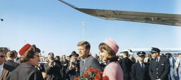 President and first lady Kennedy arrive at Love Field, Texas, 11-23-63. [Image credit: Cecil W. Stoughton/Wikimedia Commons]