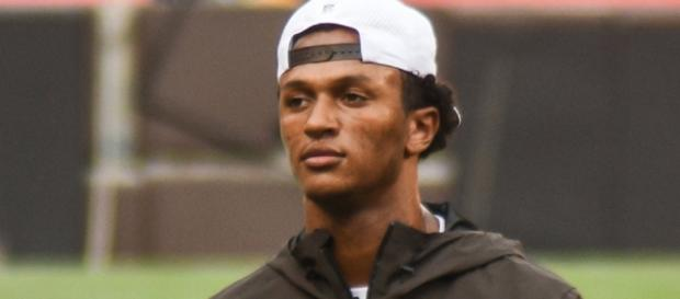 The Cleveland Browns give DeShone Kizer his old job back to hopefully get on the winning track/ Image credit - by Erik Drost/ Flickr