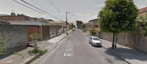 Homem de 50 anos morre ao dar um soco na janela de vidro, da casa da sua namora, que tentava invadir