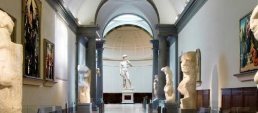 La Galleria dell'Accademia a Firenze. in fondo il David di Michelangelo