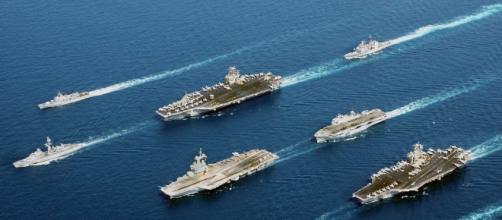 Tre portaerei americane si sono mosse verso l'Oceano Pacifico.
