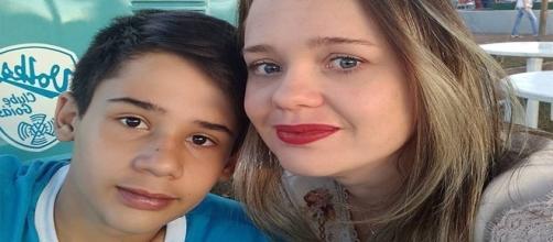 'Não julguem nosso filho', pede mãe de vítima de atirador