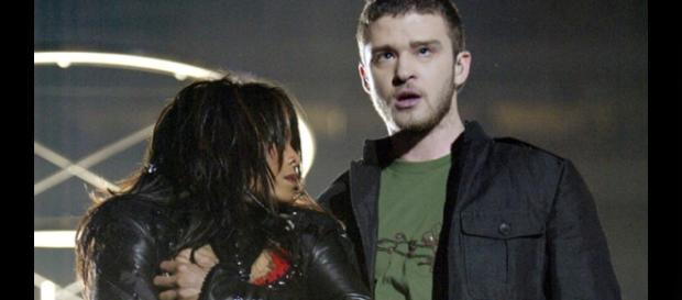 Justin Timberlake and Janet Jackson at the 2004 Super Bowl XXXVIII, seconds after the wardrobe malfunction. | (Credit: MASHED UP MOVIES/YouTube)
