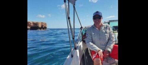 A British diver swam 5 miles after losing sight of his boat, with shark on his tail. [Image Credit: United News International/YouTube screencap]