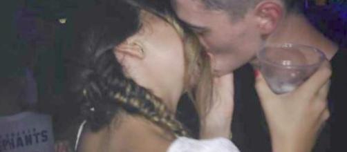 Andrea Janeiro y su novio Daniel Wozza, de quien dicen se parece a Justin Bieber.