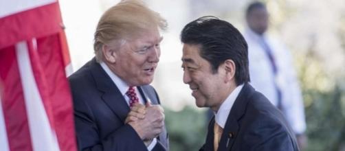 Donald Trump e Shinzo Abe, solida alleanza USA-Giappone contro la Corea del Nord