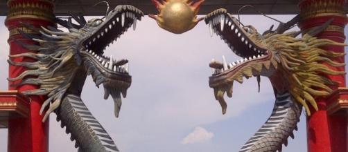 En 2003 científicos tailandeses no llegaron a ninguna conclusión acerca del origen de las bolas de fuego del Naga.