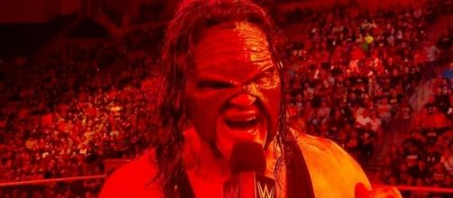 Kane did more damage to superstars of the roster on the latest 'Raw' episode. [Image via WWE/YouTube]