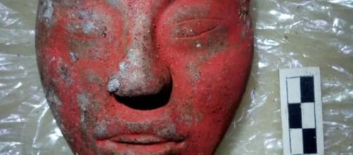 La máscara roja de Jade encontrada