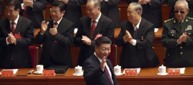 En Chine, Xi Jinping devient l'égal politique de Mao - voaafrique.com