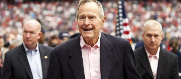 Former President George H.W. Bush (Image via AJ Guel/Wikimedia Commons)