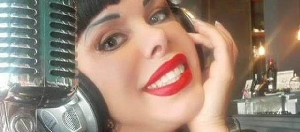 L'ex attrice Sonia Eyes in sala di incisione
