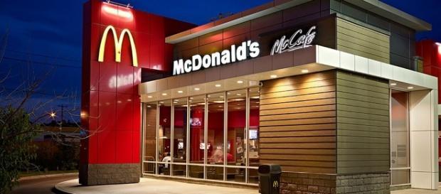 McDonald's modernisiert und verkauft seine Filialen nach und nach. In Deutschland bleiben Besucher immer häufiger weg. Foto: askmen.com