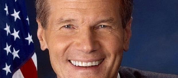 Senator Bill Nelson [image courtesy of United States Senate wikimedia commons]