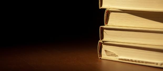 Stack of books / Christopher via Flickr