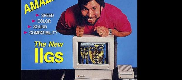 Steve Vosniak mit seinem Wunderwerk Apple IIGS (YouTube-Screenshot)