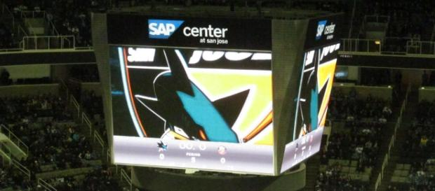 The tank is a savage environment for teams looking to take down the Sharks. [Image via: www.flickr.com/photos/dougtone