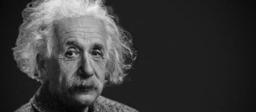 Albert Einstein handed a courier a hand-written note, which has now sold for $1.56 million [Image credit: Pixabay/CC0]