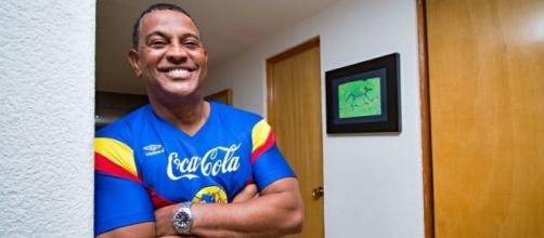 Antonio Carlos Santos sigue atacando al ex-directivo americanista