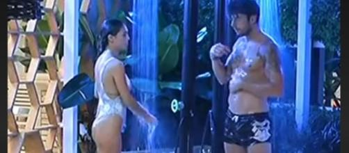Cecilia e Ignazio, durante una doccia al GF Vip