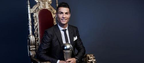 El Portuges posando con su nuevo trofeo