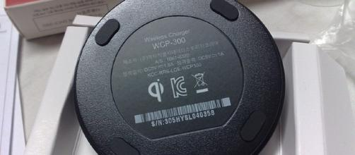WCP-300 Qi wireless charging Image Credit: Dsimic/Wikimedia Creative Commons