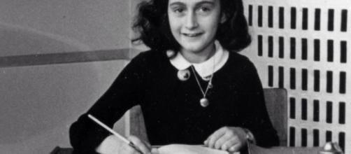 Immagine che ritrae Anna Frank