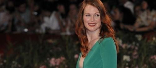 Julianne Moore recounts experience with James Toback amid scandal. (Image via: Nicolas Genin/Wikimedia Commons)