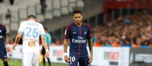 Neymar : J'ai des marques au corps !