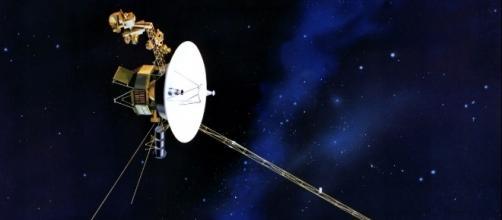 Representação artística da sonda Voyager I