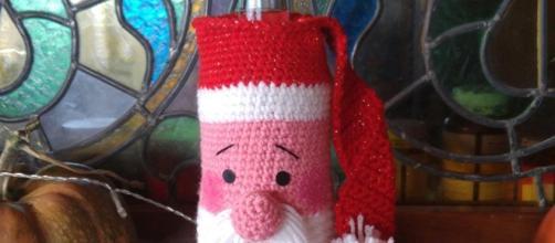 Tutorial gratis: Papá Noel cubre botellas a crochet