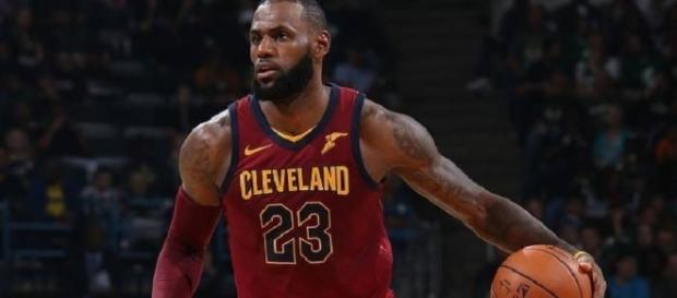 After the Game, Bulls Head Coach said LeBron James is...