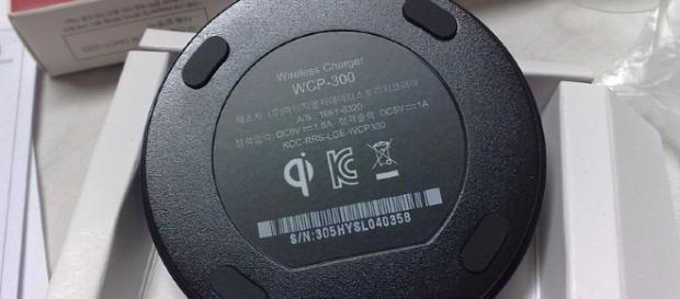 WCP-300 Qi wireless charging Image Credit: Dsimic/Wikimedia Creative Commons