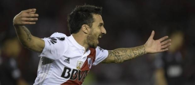 Scocco comemora gol do River Plate./ Imagem do site - gazetaesportiva.com