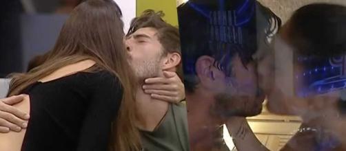 Cecilia e Ignazio baci e carezze