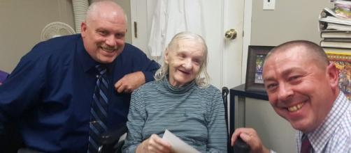 Detectives Ed Clouse,left and Richard Morgan with Flora Stevens.[image courtesy;Sullivan County Sheriff's Office]