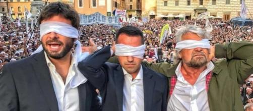 Di Battista, Di Maio e Grillo scendono in piazza al Pantheon
