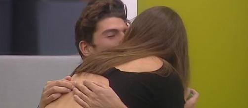 """Grande Fratello Vip"""", quanti baci tra Cecilia e Ignazio!"""
