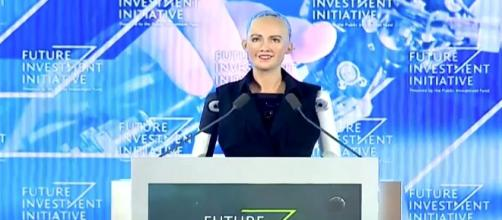 Sophia the humanoid robot has been granted Saudi citizenship [Image credit: CNBC/YouTube]